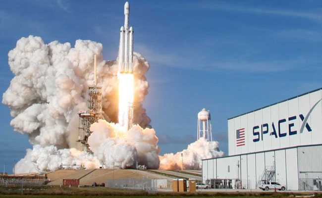 SpaceX just might kick off its space internet service tomorrow