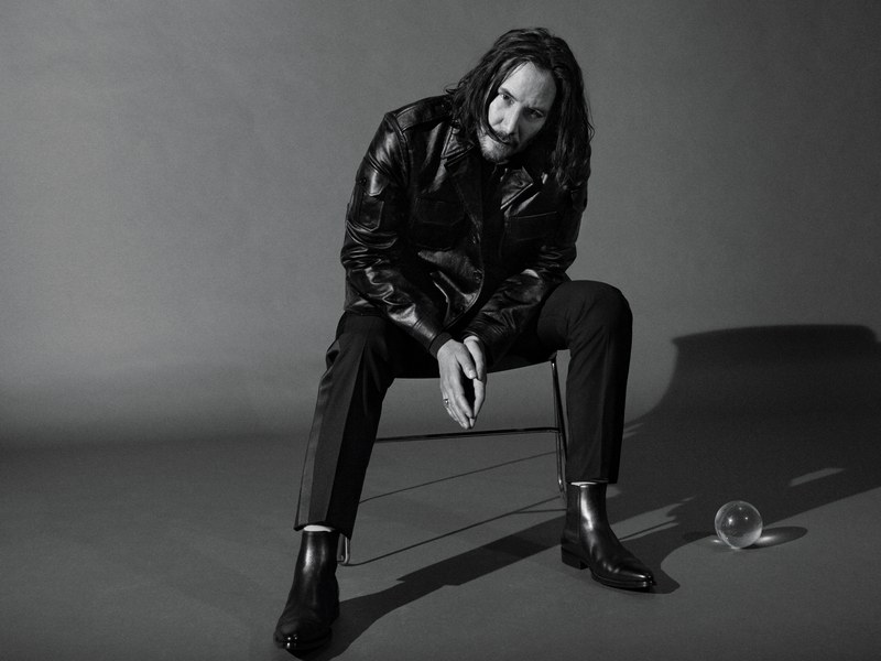 The internet is once again flooded with Keanu Reeves: know why??