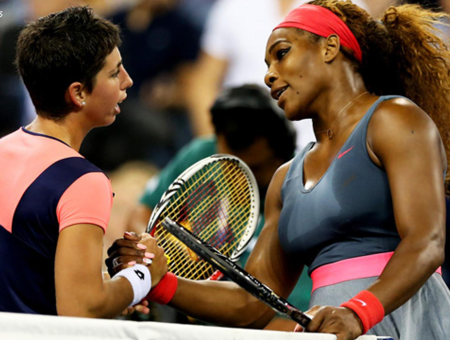 Serena set out to victory with Navarro sending a backhand wide