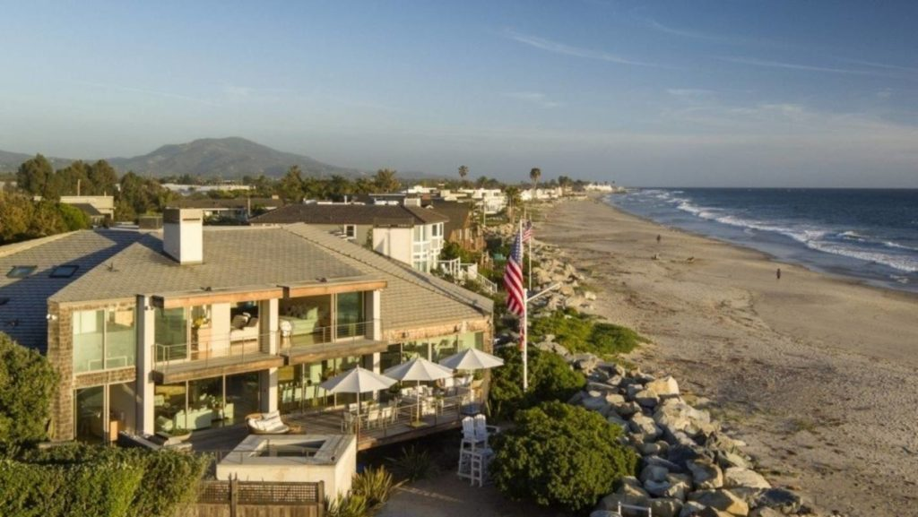 Portia and Ellen's beach house is located in Carpinteria, California.