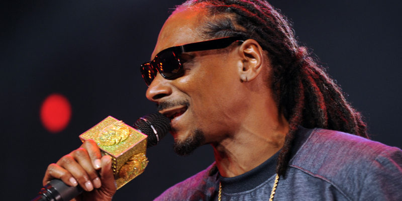 Snoop Dogg to voice Cousin Itt in Addams Family