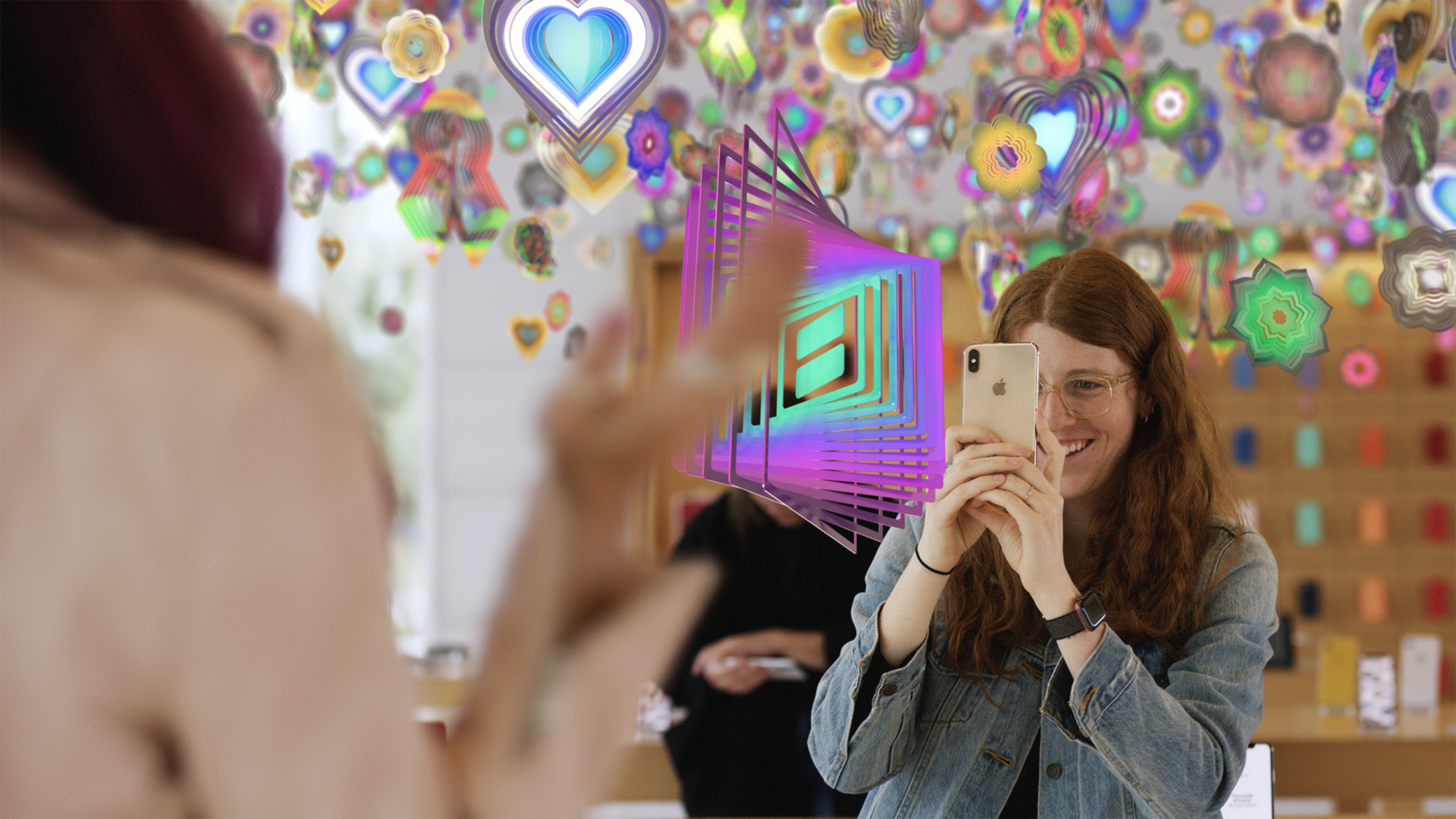 Holographic Displays for Apple's Augmented Reality (AR) Headset