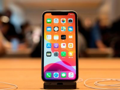 Apple iPhone 11 comes with a Manufacturing Defect